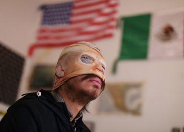 Porfirio ?Alien? Díaz, banderas de petróleo, ministerios ardiendo: arte ¿y ultraje? de los símbolos mexicanos
