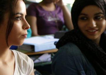 Una adolescente musulmana a otra: ?¿Por qué llevas velo, Aisha??