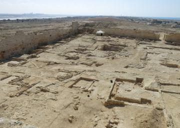 Zahi Hawass afirma que está a punto de hallar la tumba de Cleopatra sin aportar pruebas