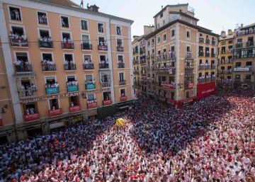 Pamplona da comienzo a nueve días de fiestas con el chupinazo