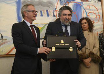 Rodríguez Uribes toma posesión como ministro de Cultura