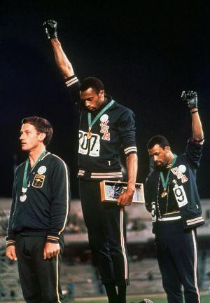 Australia homenajea ahora a Peter Norman y su  black power ... 971929e863c09