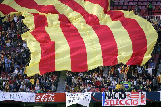 9b98de505a006 El Barça se pone la  senyera