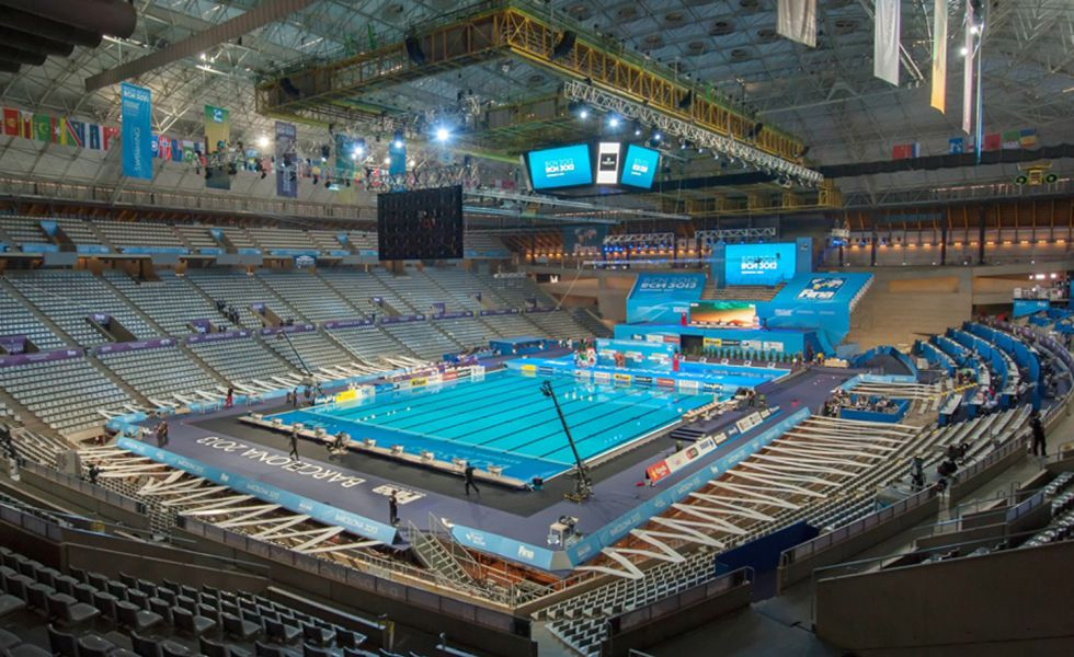 Fotos el sant jordi se convierte en piscina deportes for Piscina 86 mundial madrid