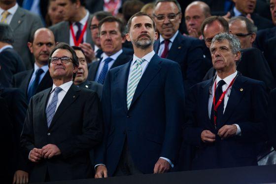 Final Copa del Rey: Monumental pitada al himno de España en ...
