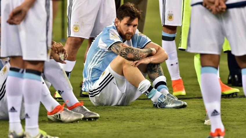 144bf508a4 Messi anuncia que não joga mais pela seleção argentina