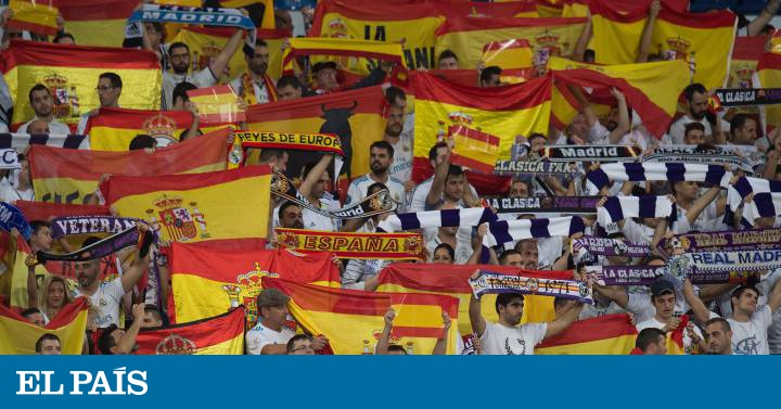 El Bernabéu se llena de banderas de España y cánticos de  Viva España   83259bb1f33