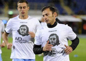 La Lazio honra a Ana Frank tras el episodio racista de sus ultras