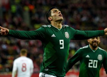 México doblega a Polonia con un mazazo de Jiménez (0-1)