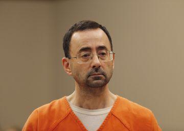 Larry Nassar, exmédico del equipo olímpico de EE UU, condenado a 60 años de cárcel por pornografía infantil