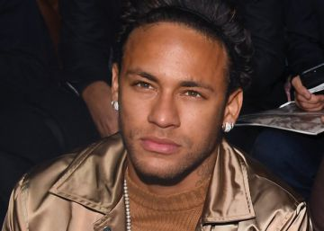 Neymar, pitado en París