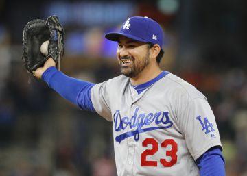 El beisbolista mexicano Adrián González es contratado por los Mets de Nueva York