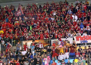 La política llega a la Copa con los gritos de ?¡Independencia!? de la afición del Barça