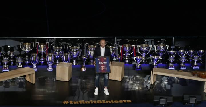 El infinito fútbol de Iniesta  567ec3ed6fbdb