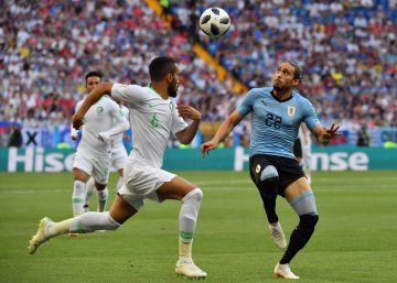 Uruguay vuelve a ganar (1-0) y se mete en los octavos de final