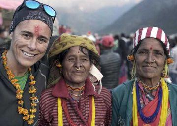Edurne Pasaban sube con las parias del Himalaya