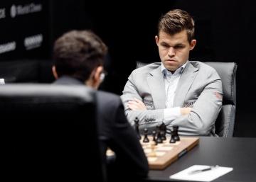 Carlsen frustra a Caruana