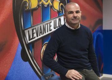 """Paco López: """"No somos un equipo suicida"""""""