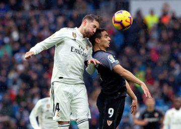 El Real Madrid supera al Sevilla con goles de Casemiro y Modric