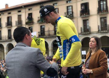 El alemán Schachmann, primer líder de la Vuelta al País Vasco tras la contrarreloj
