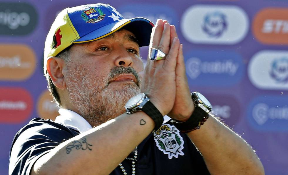 Termina la aventura argentina de Maradona dos meses después