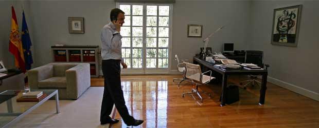 Zapatero en su despacho edici n impresa el pa s for Oficinas en moncloa