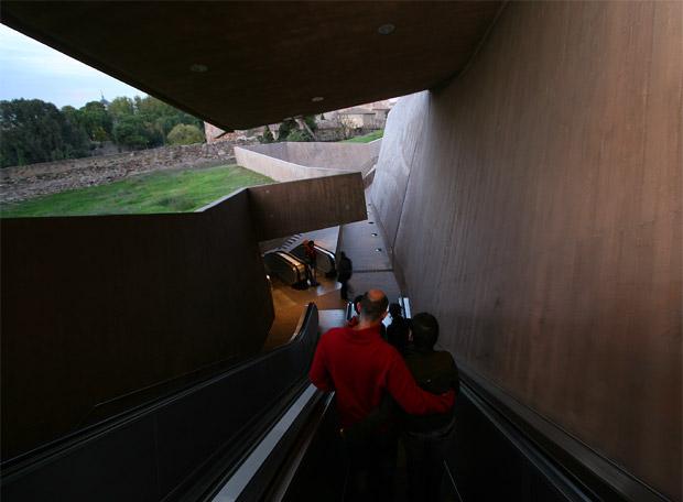Las escaleras de la granja en toledo edici n impresa for Escaleras toledo