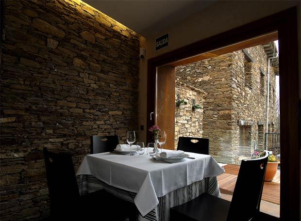 pared de pizarra en el comedor del hotel montedeltejo - Pared De Pizarra