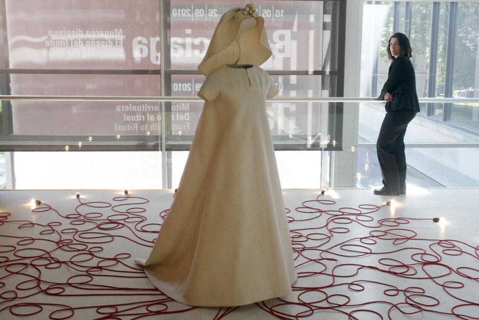 vestido de novia balenciaga
