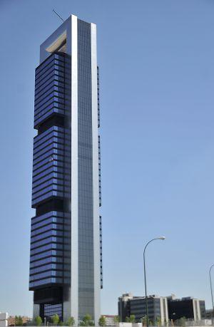 Cepsa analiza trasladar su sede central a la torre de bankia en madrid econom a el pa s - Oficinas bankia madrid ...