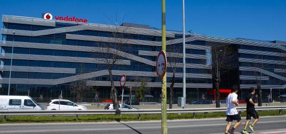 banco sabadell vende la sede de vodafone en madrid por 117