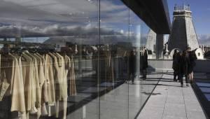 Detalle del edificio del número 23 de la calle Serrano de Madrid que acoge  la décimotercera b40164225d1