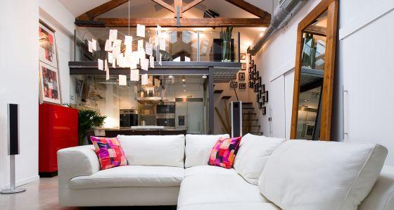 Los loft recuperan su doble vida vivienda el pa s - Fotos de lofts decorados ...