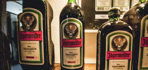 buena calidad muy baratas descuento Jägermeister: El extraño licor que conquista a la juventud ...