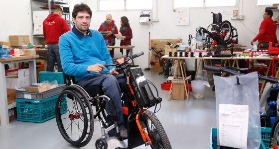 Pau bach miempresa quiero mejorar la vida de los que se mueven en silla de ruedas econom a - Tamano silla de ruedas ...