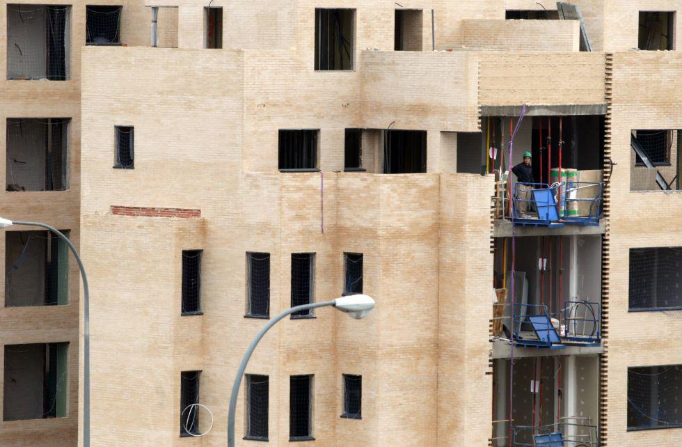 obras de construccin de bloques de vivienda nueva en el pau arroyo del fresno de madrid