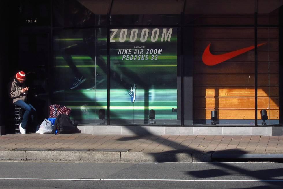 fachada tienda nike