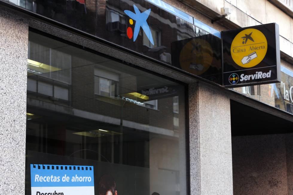 Caixabank pacta con los sindicatos un plan de salidas voluntarias incentivadas econom a el pa s - Caixa telefonos oficinas ...