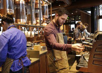 Nestlé pasa del Nespresso de George Clooney al Starbucks de los ?millenials?