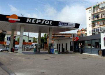 Repsol cierra venta del 20% de Gas Natural a CVC y Alba por 3.816 millones y completa su salida de la gasista