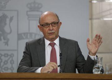 Hacienda denuncia al Govern destituido, ANC y Òmnium por los gastos del referéndum ilegal