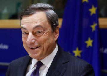 Mario Draghi pide prioridad para las subidas de sueldo