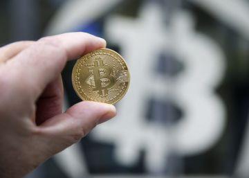La locura del bitcoin: la divisa virtual alcanza los 15.000 dólares
