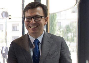 Escolano ganará 204.114 euros menos al año como ministro que en el BEI