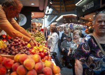 La economía crece al 3% gracias al tirón del consumo, el turismo y la exportación de servicios