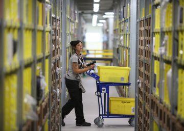 Huelga en la planta de Amazon en Madrid en un día clave de ventas