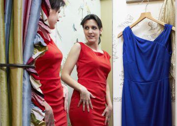 Castilla y León propone que las tiendas cobren por probarse la ropa