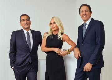 Michael Kors compra la italiana Versace por 1.830 millones de euros