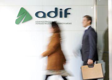 Casi 3.300 trabajadores de Adif saldrán a las seis de la tarde