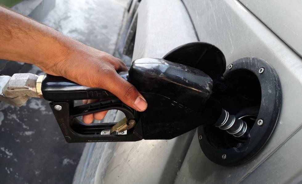 El precio de los carburantes vuelve a tocar máximos en plena Semana Santa